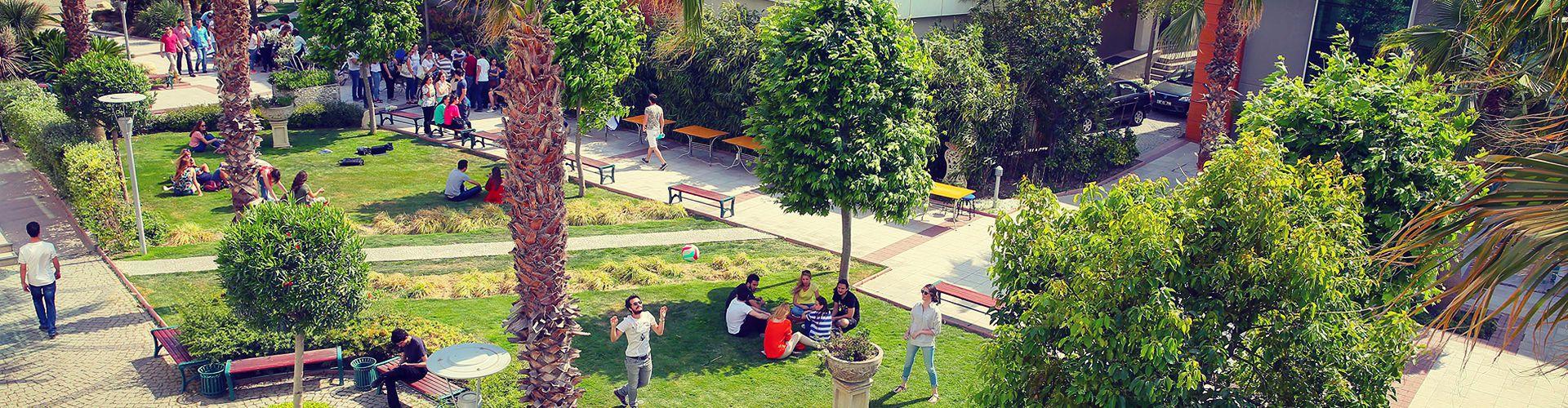 hukuk fakultesi yasar universitesi